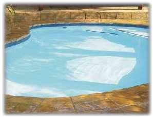 Refurbished pool, no algae and easy to maintain